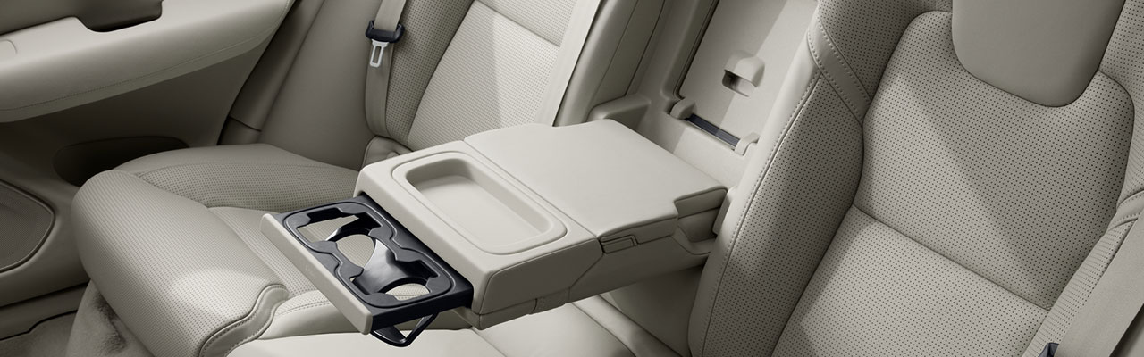 interior-volvo-xc60-excellence-cars-bucuresti