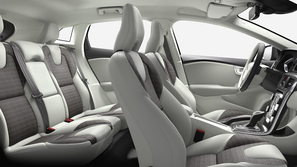 v40-volvo-cars-interior.png